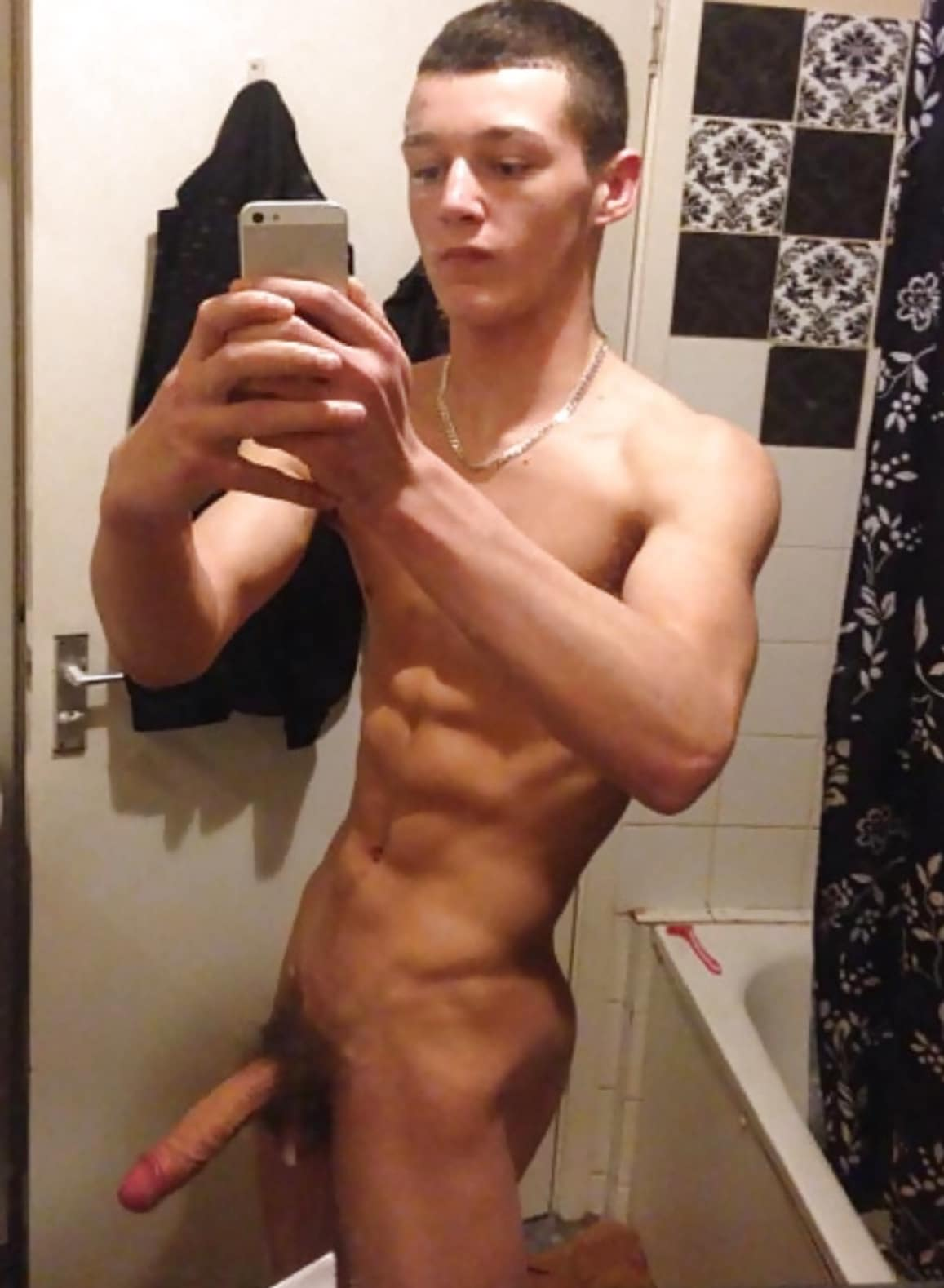 Fit Nude Boy